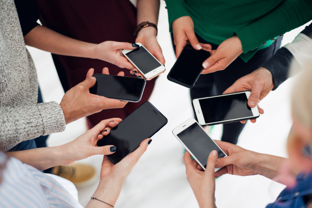 smartphone party